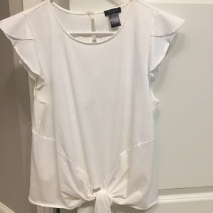 Adorable Ann Taylor tie waist top. Medium.